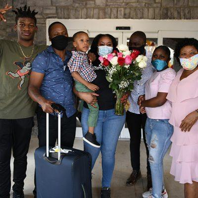 Teisha-Roberts-and-Family